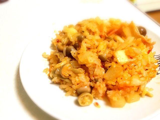 今日の夕ご飯 これ食べて練習やー - 4件のもぐもぐ - ヘルシーキムチチャーハン by yukappa622x