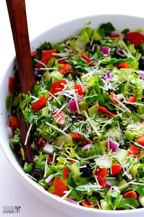 Pepperoni Italian Chopped Salad -- super easy to make, and perfect as a side dish or main entree! | gimmesomeoven.com