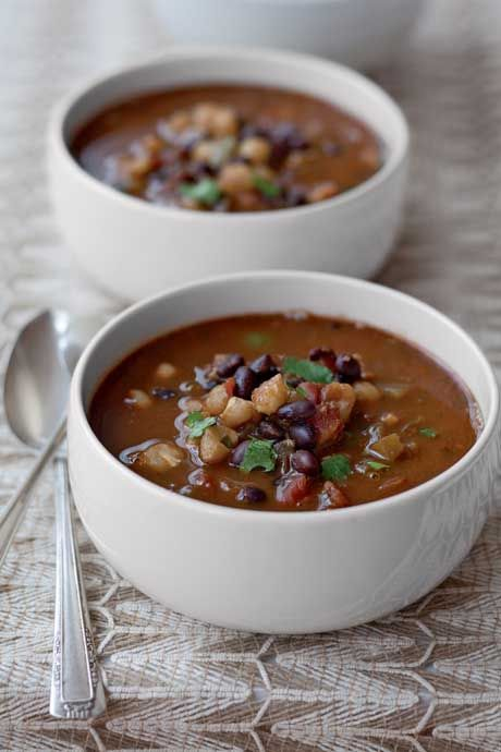Beautiful Vegetarian Chili - So healthy and delicious! #skinnyms #vegetarian #cleaneating #chili #recipe