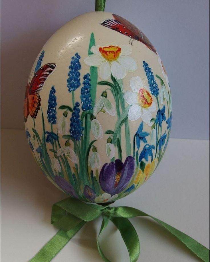 #Xantosia #ostrich #egg #wielkanoc #wydmuszka #Easter #strusie #jajo #handpaineted #reczniemalowane #handmade #wiosna #kwiaty #flowers #narcyzy #przebiśniegi #krokusy #szafirki #motyle #butterfly #spring
