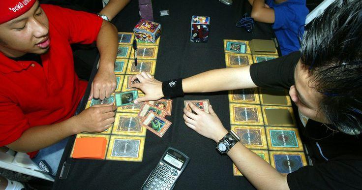 Cómo vender cartas Yu-Gi-Oh. Yu-Gi-Oh es un juego de cartas en el que dos contrincantes se baten a duelo uno contra el otro con sus tarjetas. El popular juego se puede jugar en casa o puedes probar un torneo de Yu-Gi-Oh. Si tienes tarjetas que no deseas o necesitas hacer algo de dinero extra, siempre hay jugadores que buscan mejores cartas. Hay varias maneras en las que ...