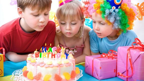 Want to throw your child an awesome party without breaking the bank? We've got you covered! Here are our best tips for sticking to a budget at your next bash. 1. Stretch your planning Start supply-hunting early; it'll give you time to comparison shop. Plus, you'll save yourself from running out at the last minute …