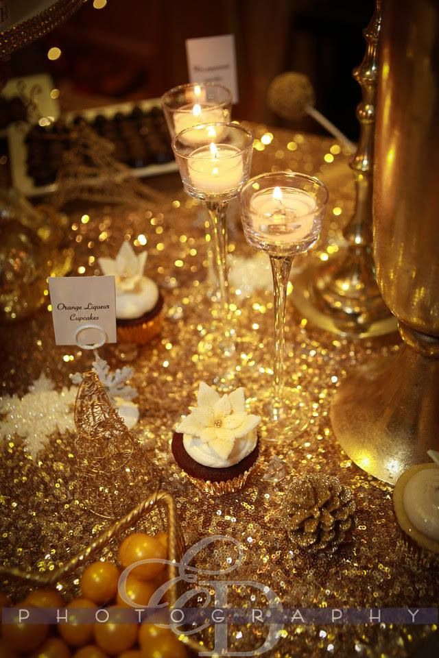 We love what Vermillion Events did with this Gold themed holiday table. The gold Sequin looks stunning! Talk about a show stopper...