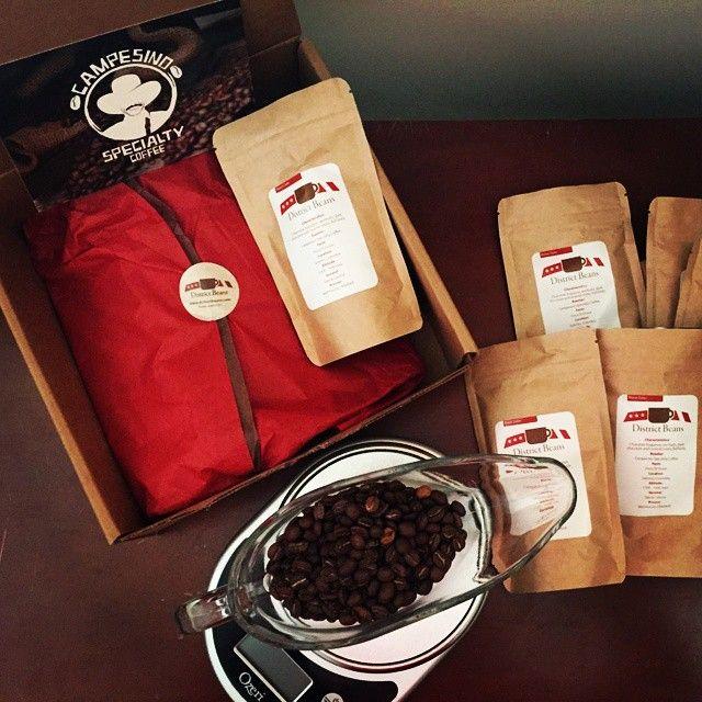 "14 To se mi líbí, 2 komentářů – @districtbeans na Instagramu: ""Sunday funday. Working on the design of our new bean box. #craftcoffee"""