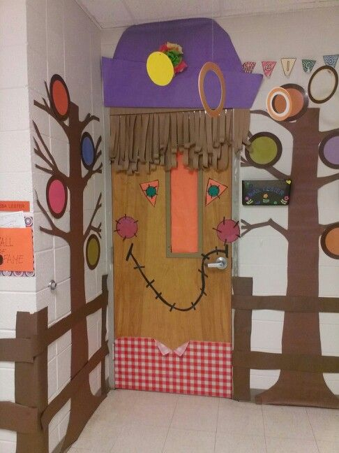 Fall Classroom Ceiling Decorations ~ Fall classroom door decoration will be adding leaves