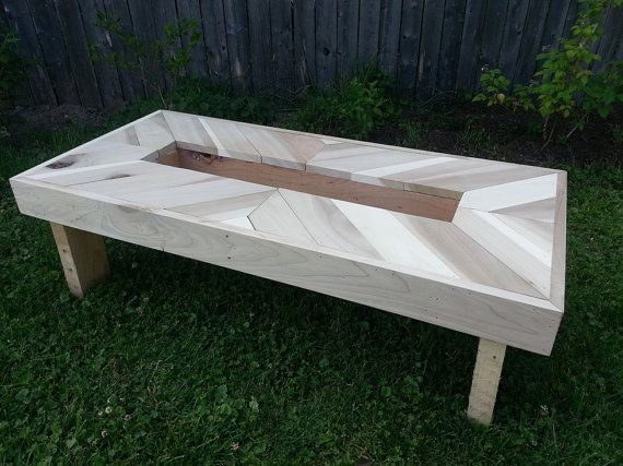 Chevron Pallet Coffee Table Top With Alignment Of Planks Inside