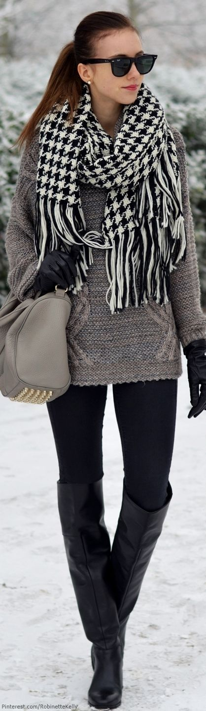 so easy to look stylish when you look at it Winter Street Style & oversized scarf + grey tote