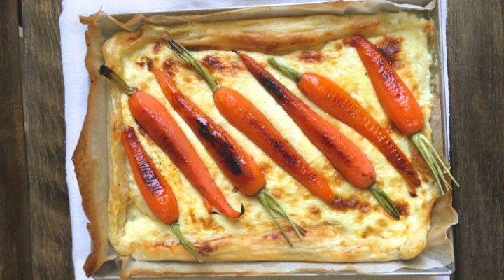torta salata con squacquerone di Romagna e carote caramellate: facile, vegetariana, colorata e senza glutine #tortasalata #squacquerone