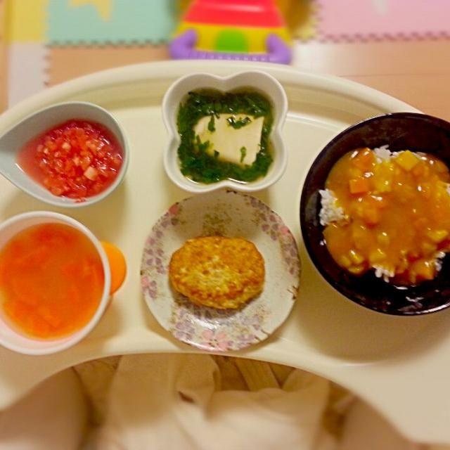 お魚ハンバーグのレシピをアップしてみました❀✿  今日のメニューは ☆カレー(カレーソースはBFです) ☆豆腐のほうれん草あん ☆お魚ハンバーグ ☆トマト ☆人参のとろみスープ(コンソメ味)  息子はトマトが大好きなので 登場率高めです(´▽`*) - 13件のもぐもぐ - 離乳食後期☆お魚ハンバーグのレシピ☆ by MAA