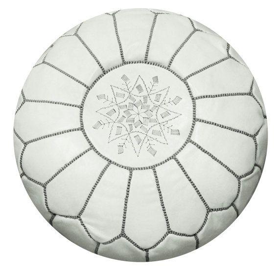 Unstuffed marokkanische Leder Hocker Ottoman mit Top Stickerei in weiß und grau…