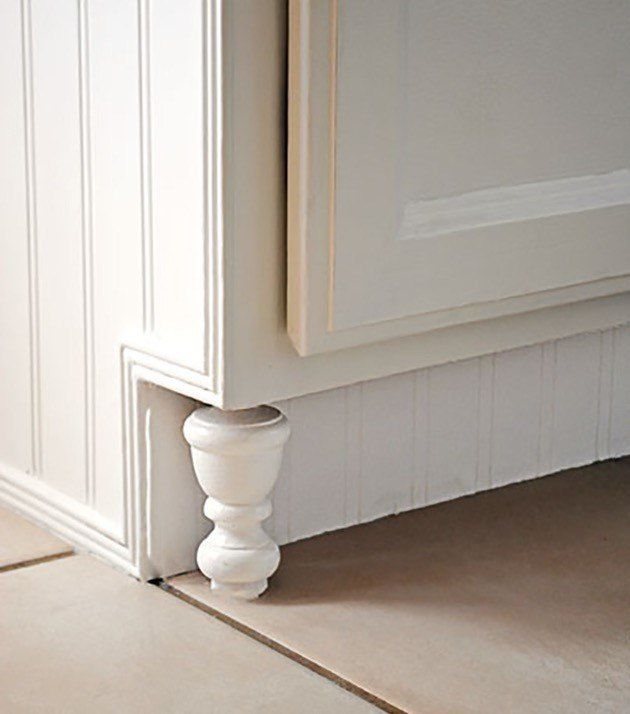 """Expert Tip: """"A certain finish doesn't necessarily mean high-end because there are very similar finishes at different price points. It's more about the height of the upper cabinets and decorative details like corbels, moulding and furniture feet.""""The+Big+Fat+Guide+to+Hacking+Your+Kitchen+Cabinets"""