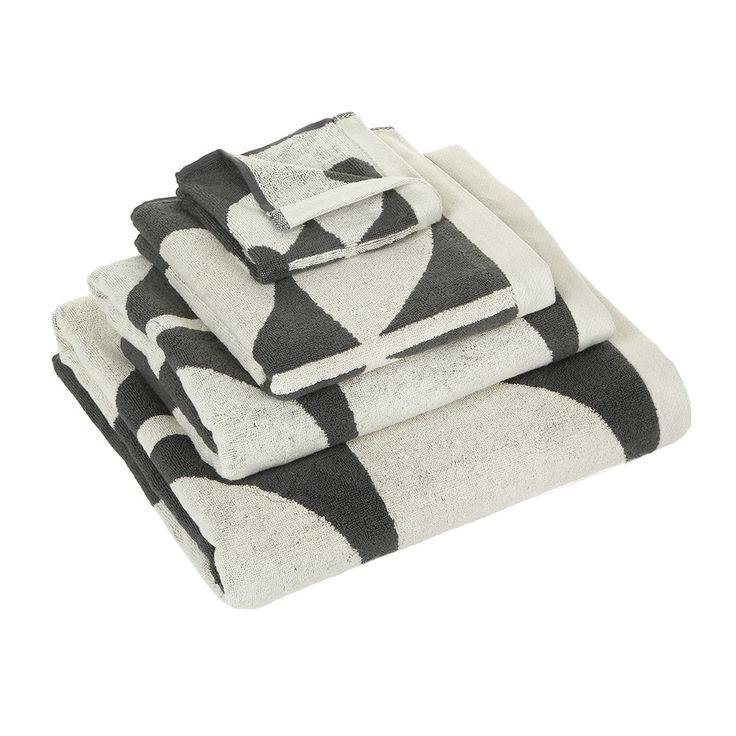 Discover+the+Orla+Kiely+Large+Sixties+Stem+Towel+-+Slate+&+Neutral+-+Bath+Towel+at+Amara