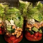 I got home late last night from our Disney world vacation so I had zero time or energy to prep food. so I am trying to prep some food now. not sure how much I will get done cause I have a ton of cleaning and organizing to do but here are our mason jar salads for the week. I made these with smoked turkey, chick pea, sun dried tomatoes, and crumbled blue cheese. dressing is Italian. full recipe can be found on my blog. #masonjarsalads #foodprep #weightwatchers #ww
