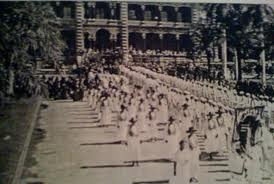 The parade at Prince Kuhio's funeral. http://www.hawaiian-roots.com/remembering-prince-kuhio.htm