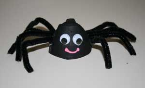 halloween spider craft- Will be making this tomorrow with my client! This is also great for fine motor skills- poking the pipe cleaners in... They are going to love it!