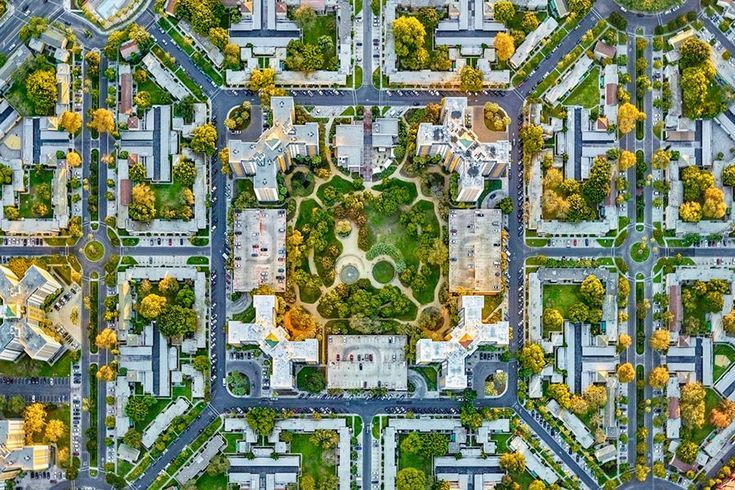La Brea Park, Los Angeles, aerial photograph Jeffrey Milstein Photographs Los Angeles and New York in a Way You've Never Seen Before : Architectural Digest