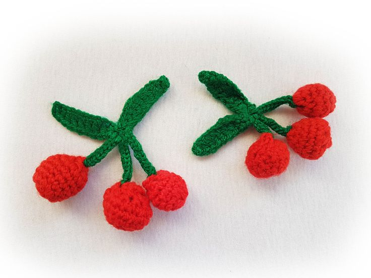 Crochet cherry 1 piece applique, Cherry brooch, 3 cherries on branch, Red cherry applique by GrandmasOldBox on Etsy