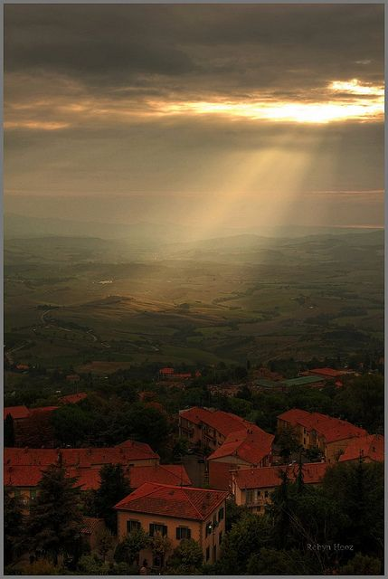 Volterra, view from the terrace - Volterra, panorama dalla terrazza by Robyn Hooz, via Flickr