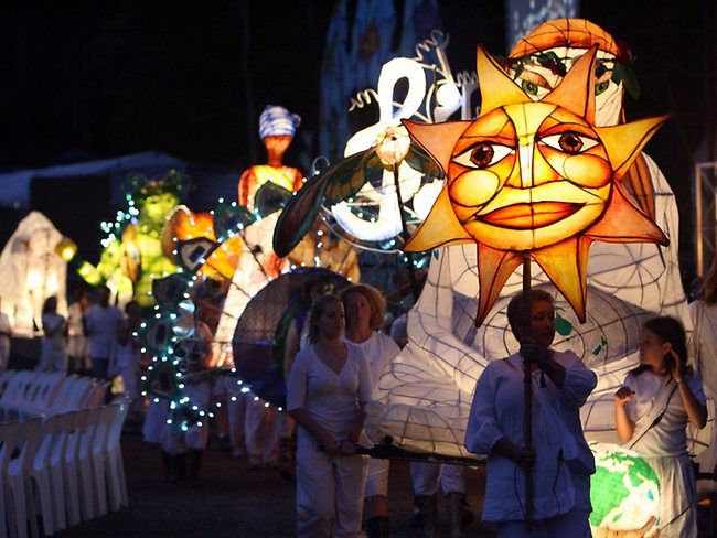 Woodford Folk Festival: A lantern parade along the Redcliffe foreshore would be just stunning! Attendees could create their own personal lanterns throughout the day at the arts and craft marquee, then participate in a fabulous light show in the evening demonstrating their works of art!