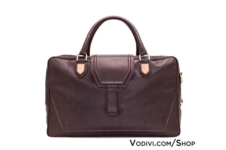 VETTORE by #Vodivì: unisex #travelbag in hand-colored vegetable-tanned #Tuscan #leather. Inserts in hand-carved #pinkstone from Monte Subasio. #MadeinItaly