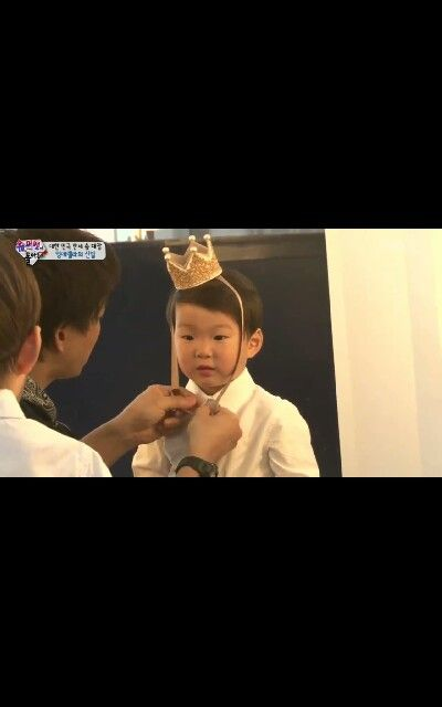 How come a child can be this handsome #daehan #minguk #manse #triplet