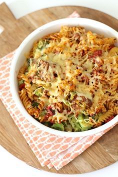 Pasta-ovenschotel met broccoli en gehaktballetjes