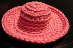 Crochet Hat for Doll  Free Pattern ( For Beginners) http://www.kikamoracrafts.com/2011/01/lets-crochet-hat-for-barbie-doll.html