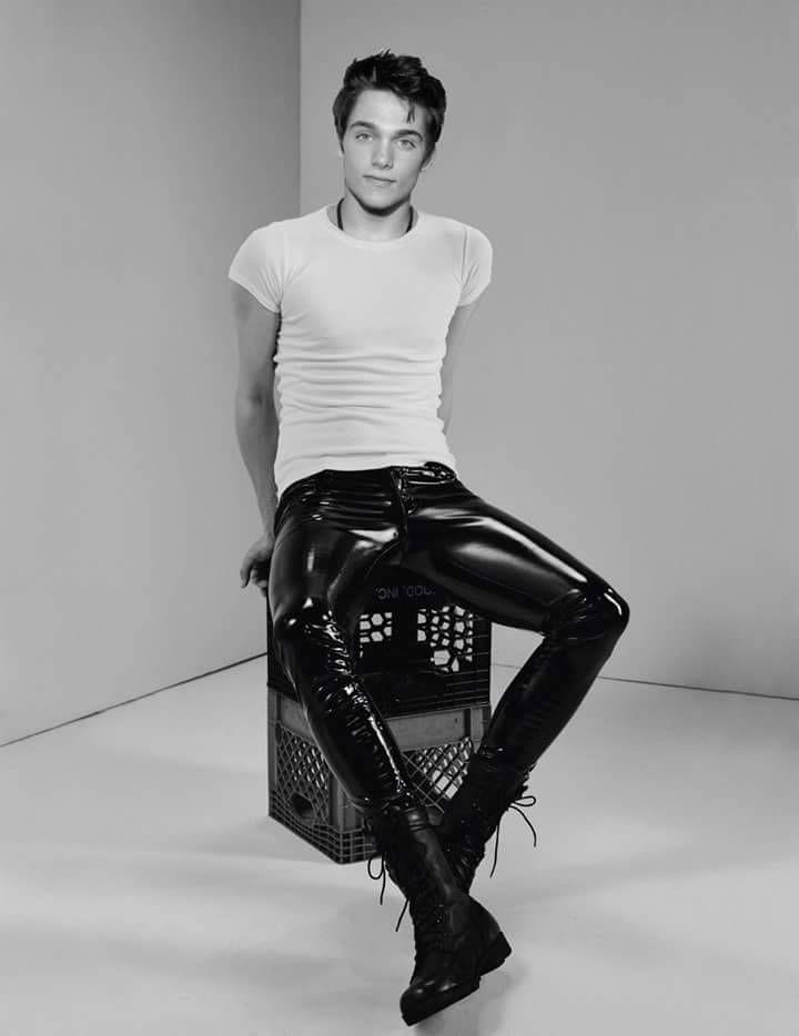"""""""Hot legging guy """""""