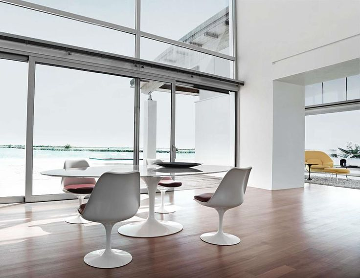 Tulip Chairs and Table by Eero Saarinen