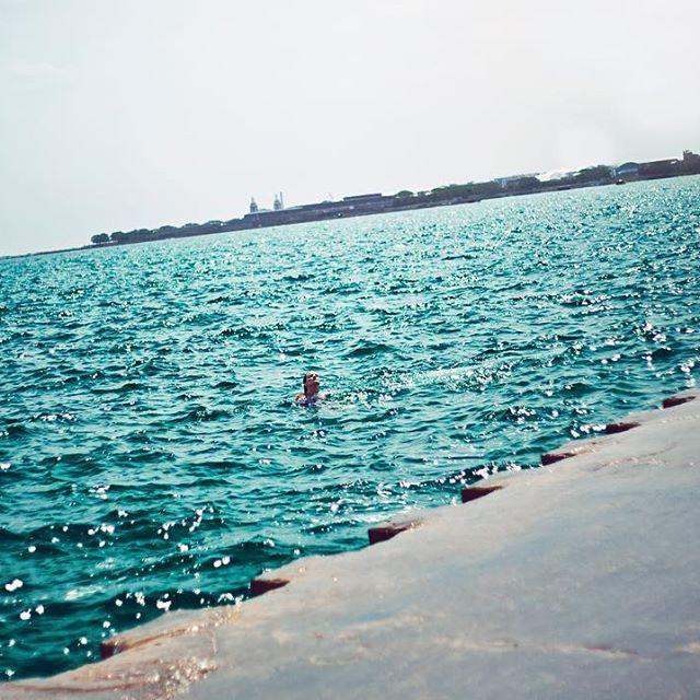 Chicago has mermaid water! Magic friggin unicorn mermaid water... true story! 🐟🦄💕✌🏻 #frankiesroadtrip
