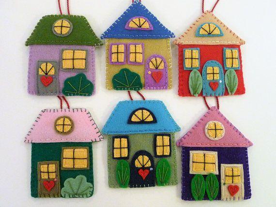 Décorations de maison en feutrine, Ensemble de maisons, Décorations de village, Maisons de Noël, Village en feutre, Maisons colorées, Décor coloré, Friendly Village