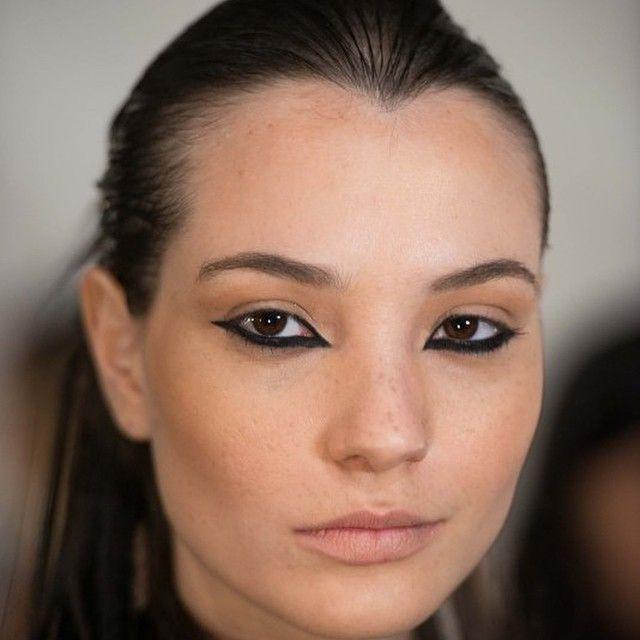 Fashion Week Edits: Reverse Eyeliner. Would you wear? @NicholasK  #Regram via @defafalamri