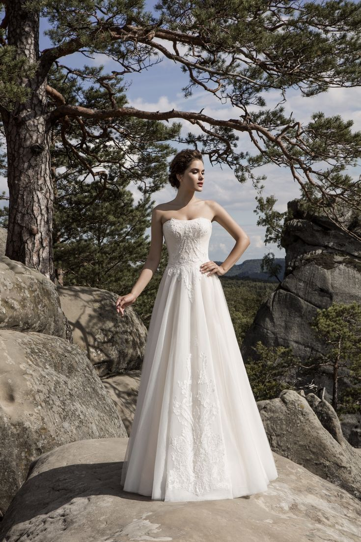 Legendary Wedding Boutique: Enchanted Collection 2017 007a