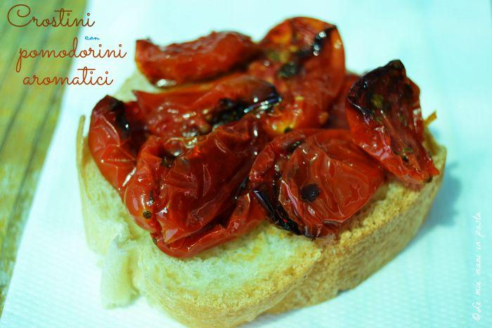 Crostini con pomodorini aromatici