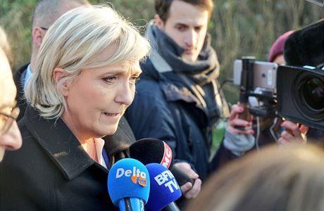 Le Penovou nevpustili do uprchlického tábora. Neohlásila se prý předem