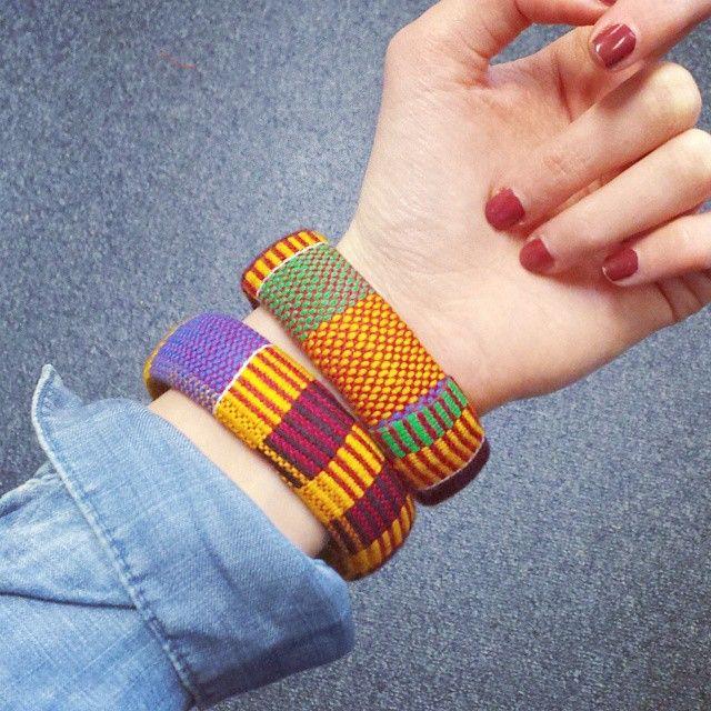 «Au poignet, les bracelets offerts par Aïssata de @turbanistaparis ♡»