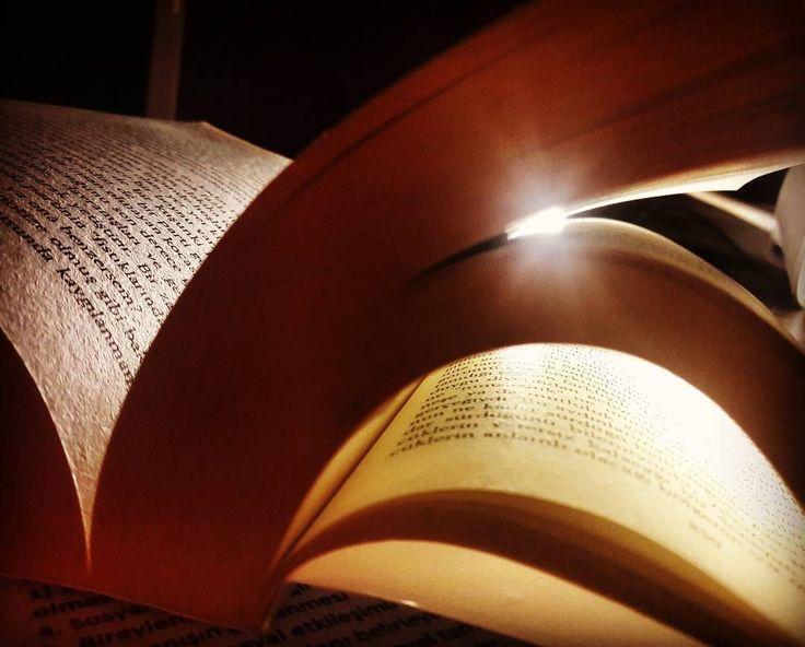 """""""Ölüm"""" niye karanlık bir çağrışım yaratır ki akılda... Gerçeğe geçiş yolu değil midir? Gerçeğe uğurladık bugün bir dostu... Işıklar içinde uyu... Uyurlar mı ki? ���� . . .#book #bookstore #mybooks #reading #essays #bookstagram #instabook #bookmark #booklovers #motivation #edebiyat #kitap #pretty #okumahalleri #kitaptavsiyesi #bilgi #kitapaşkı #kitapkokusu #composition #okumakayrıcalıktır #kitaptavsiyesi #cute  #philosophy #like4like #instalove #aşk #sanat #art #photographie #foto…"""