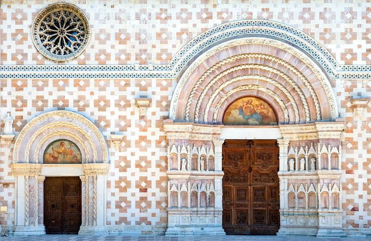 The reopening of the Basilica di Collemaggio is one more reason to visit L'Aquila in 2018, and you'll help the local economy too.