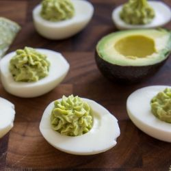 Guacamole Deviled Eggs by iwashyoudry: No mayo!  #Eggs #Guacamole