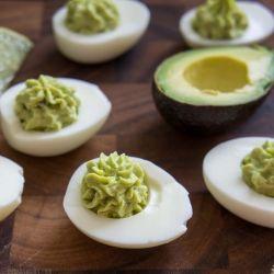 Guacamole Deviled Eggs by iwashyoudry: No mayo!  #Eggs #Guacamole