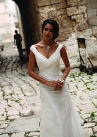 Foto Linea Raffaelli www.matrimonio.com/cat-DressList.php?tipo=1&Disenador=234&Temporada=2014&Corte=0&Escote=0&Largo=0&Estilo=0&TipoComp=0&Coleccion=0