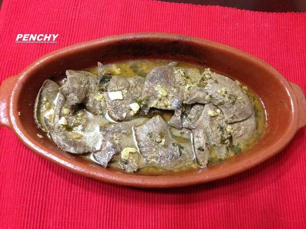 Filetes de higado de cerdo en ajo cabañil al pimentón picante