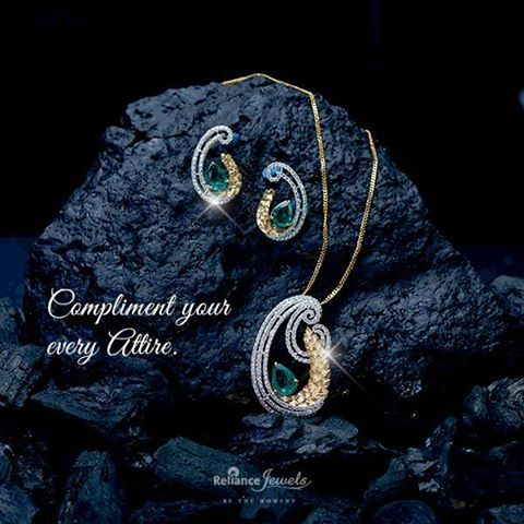 Complement your every attire. Reliance Jewels Be The Moment www.reliancejewels.com #Reliance #RelianceJewels #Jewellery #Jewels #Diamond #Gold
