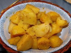 Ellinikos Lemoni Patatas  (Greek Lemon Potatoes) - these are like the potatoes they serve at Koutouki. AMAZING!!!  								These are absolutely delicious, and easy to prepare!