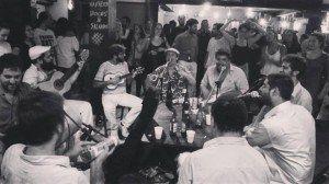 Samba do Urso comemora aniversário com roda na Vila Madalena