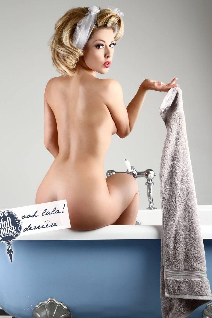 Pin up girls nude