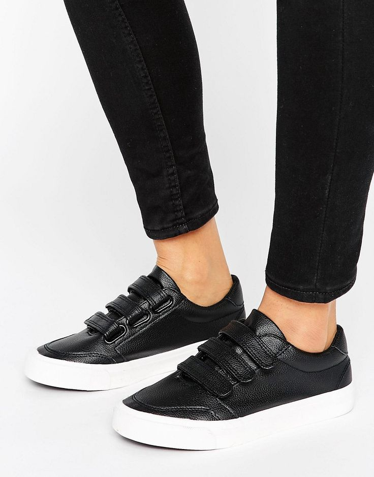 Buy it now. New Look Triple Strap Trainer - Black. Trainers by New Look, Faux-leather upper, Triple-strap design, Slim sole, Wipe with a damp cloth. ABOUT NEW LOOK Transforming the coolest looks straight from the catwalk into wardrobe staples, New Look joins the ASOS round up of great British high street brands. Get it or regret it with its weekly drops of essential coats, statement partywear and sleek boots, from ankle to over-the-knee styles. , deportivas, sport, deporte, deportivo…