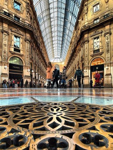 L'Ottagono, cuore di Milano / The Octagon, heart of Milan