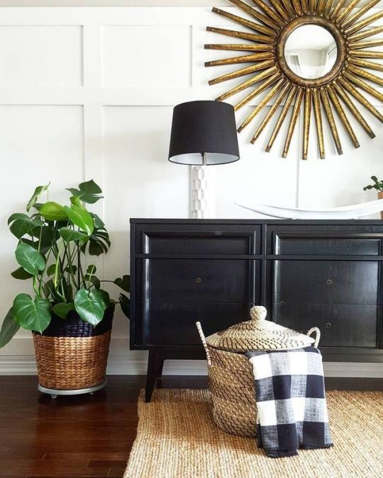 We would like to welcome on board one of our new IDI tutor's Ashley from Reflekt Interiors!  Ashley loves creating spaces and vignettes that capture the essence of the mood, and she also happens to be an ex #IDIstudent!  You can view more of her work via http://reflektinteriors.com