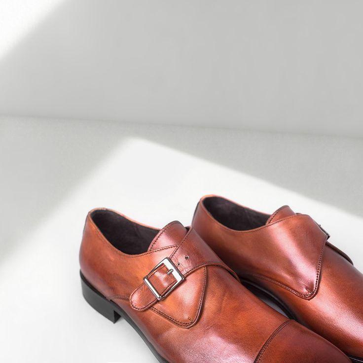 Монки John Brando. Мужчины ваши ноги будут за них крайне признательны! 2900 UAH www.brando.com.ua #обувь #женскаяобувь #мужскаяобувь #сумки #женскиесумки #мужскиесумки #новаяколлекция2017 #весна #лето #johnbrando #туфли #босоножки #cандалии #оксфорды #лабутены #лодочки #лоферы #балетки #слипоны #мокасины #топсайдеры #дерби #монки #cлиперы #броги #гладиаторы #дезерты